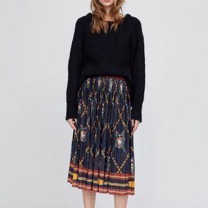 Zara pleated chain print skirt